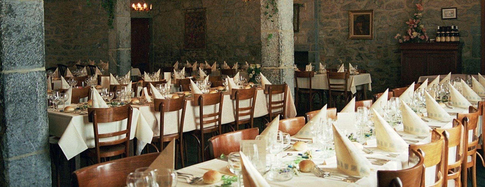 La Vieille Tour - Chambres d'hôtes et location de salle de banquet